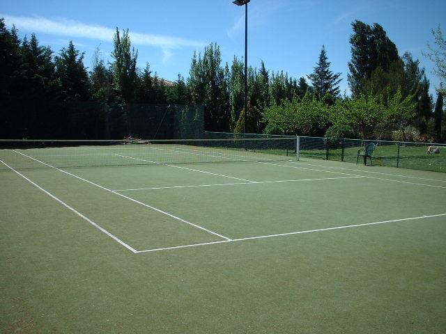 gazon synthetique tennis