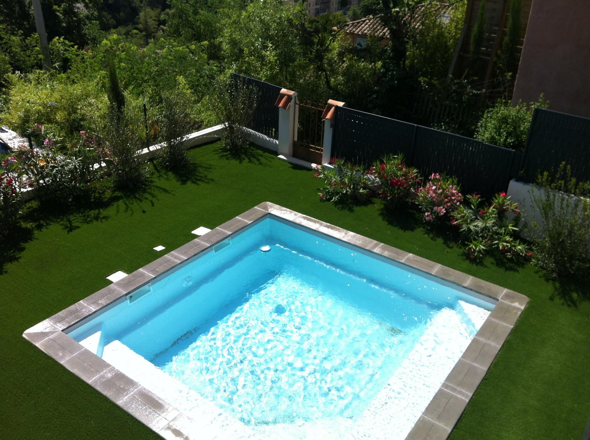 pelouse synthetique frejus