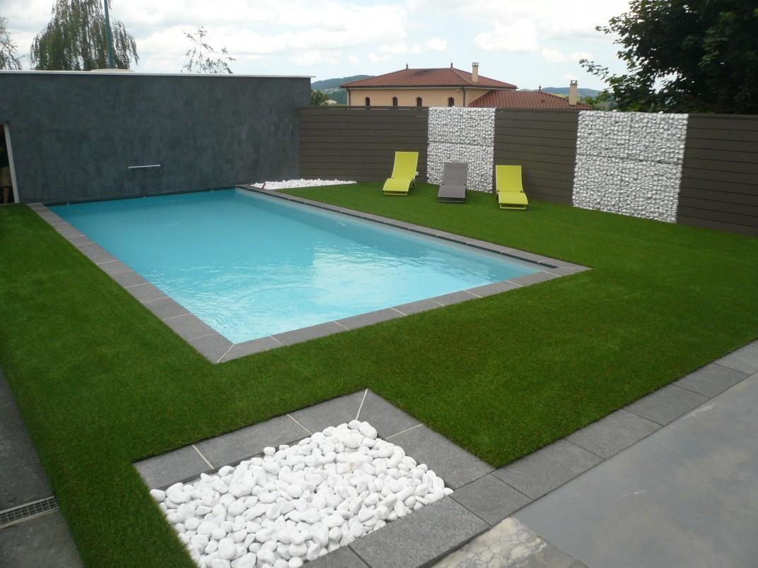 pelouse synthetique pour piscine