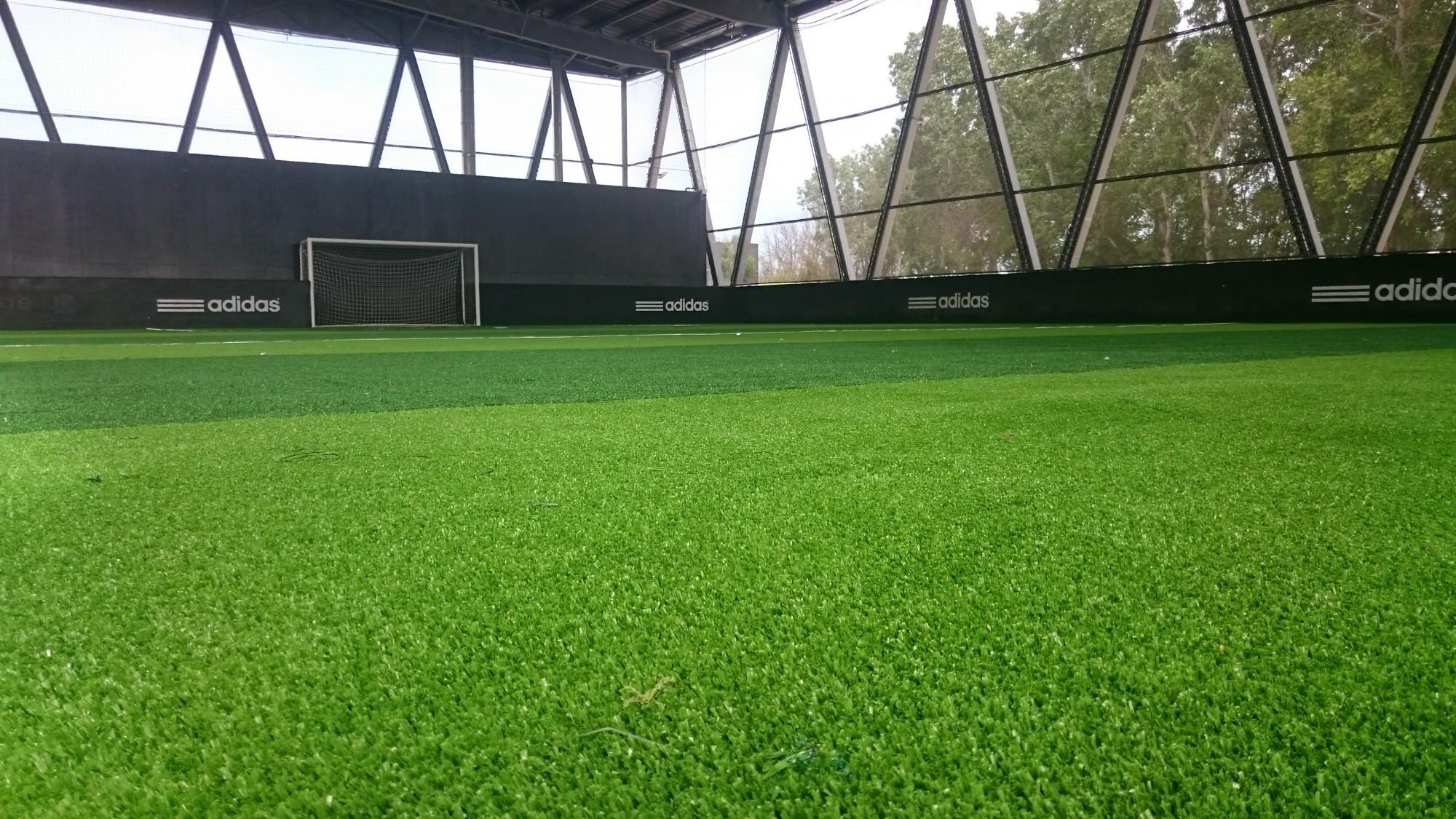 pelouse synthetique pour terrain de foot
